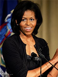 Michelle Obama recognized only by the cashier during Target shopping jaunt (video)