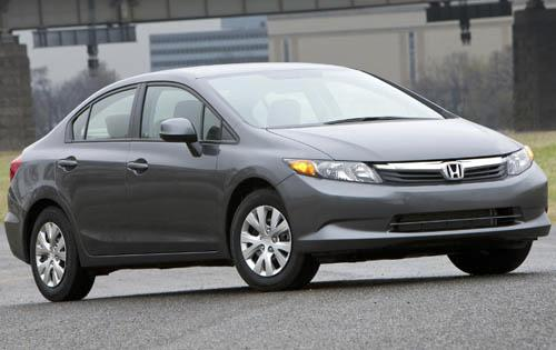 2012 Honda Civic tries to keep up with competition