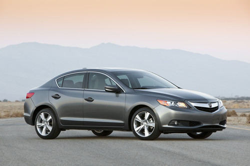 "Acura gets back to its ""entry level luxury"" roots with $26K ILX model"