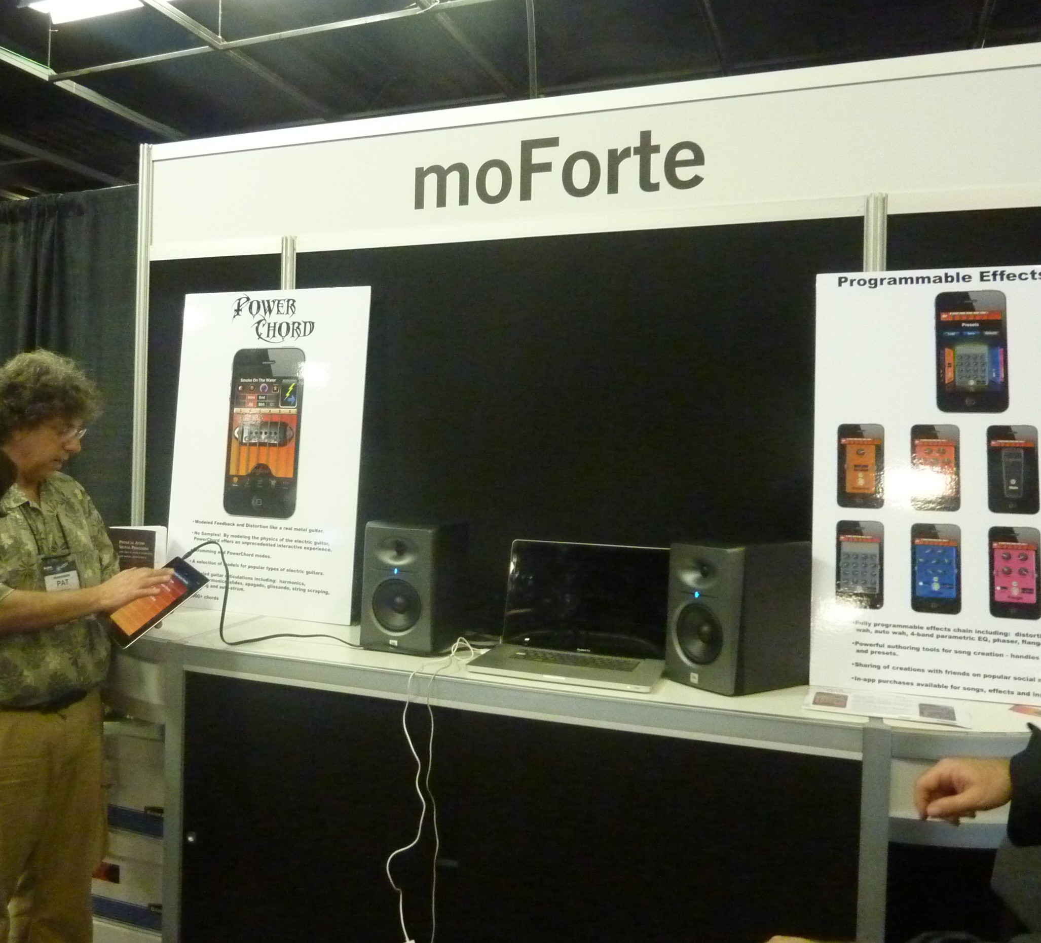 MoForte Powerchord guitar app display