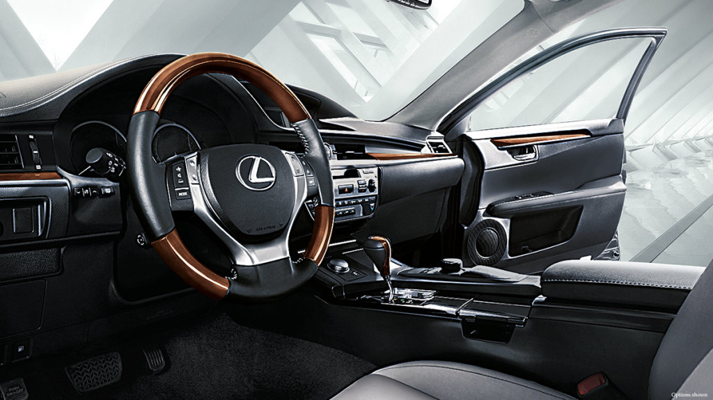 ES 350 has spacious, well appointed interior